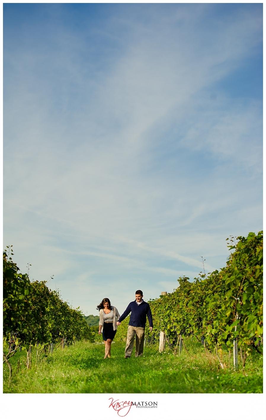 - Jana-Andrew-Gouveia-Vineyards-Engagement_0002(pp_w898_h1418)